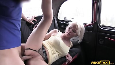 Free and easy Czech MILF Kathy Anderson gets banged in the auto