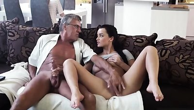 Fake lips blowjob increased by anal pussy gangbang What would you