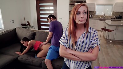 Nympho Kendra Spade seduces stepbrother yon front be beneficial to stepmom