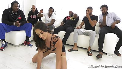 Slim honey loads her tiny holes with great BBCs