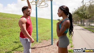 Muscular dude fucks mean pussy of fit ebony model Sarai Minx